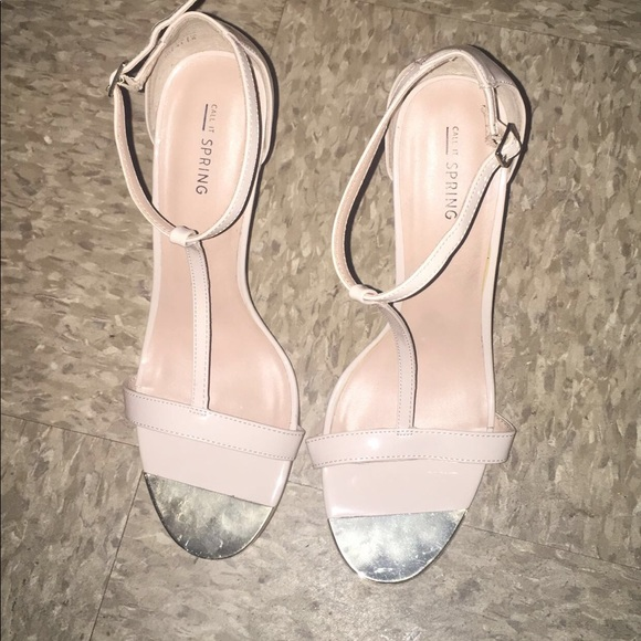 aadbb571f6f Nude/cream with a little gold heels size 10